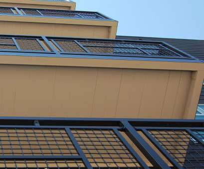 aluminum woven wire mesh panels Aluminum woven wire mesh is often used, balcony railings, its long lasting corrosion resistant characteristics. Banker Wire's heavy .250