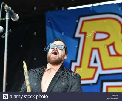 Live Wire Electric Virginia Brilliant VANS WARPED TOUR 18 Brings REEL, FISH To, Veteran'S United Home Loans Amphitheater . In Virginia Beach, Virginia On 12 JULLY 2018 Solutions