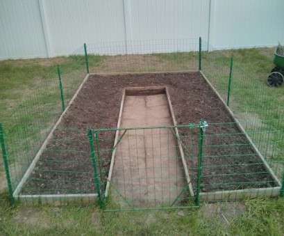 8 New Wire Mesh Fence, Garden Pictures