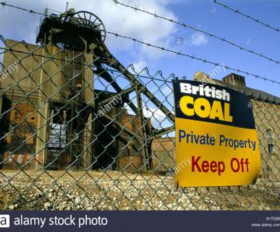 wire mesh fencing nottingham CLOSED, AT MANSFIELD COAL FIELDS SIGN ON WIRE NETTING FENCE NOTTINGHAMSHIRE, 1992, Stock Wire Mesh Fencing Nottingham Most CLOSED, AT MANSFIELD COAL FIELDS SIGN ON WIRE NETTING FENCE NOTTINGHAMSHIRE, 1992, Stock Images