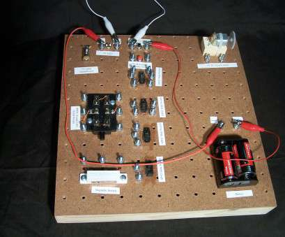 wiring a electric switch Class Work Boards: